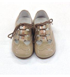 Zapato ingles charol camel