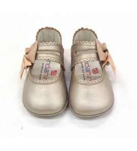 Zapato bebé champan