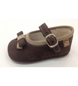 Zapato bebé marrón