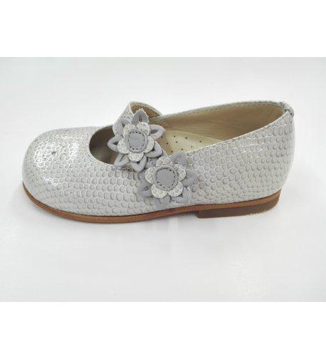 Zapato charol gris perla
