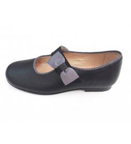 Zapato negro lazo gris