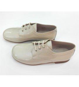Zapato niño charol arena