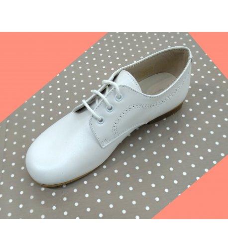c8c0ce9cd Zapatos niño cordón nacarado blanco - Arca Boutique Infantil-Juvenil