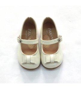 Zapato piel charol beige